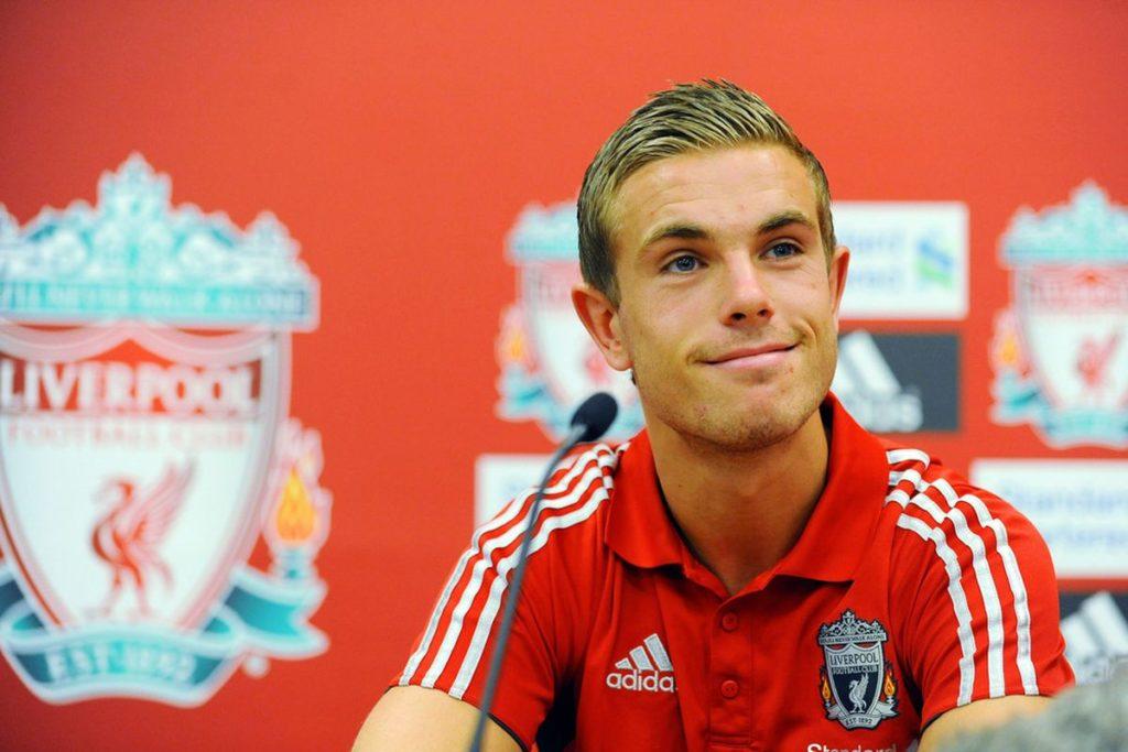 Un giovane Henderson in conferenza stampa.