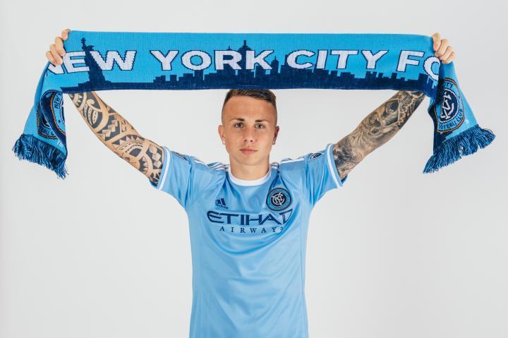 Angelino con la maglia del New York City fc