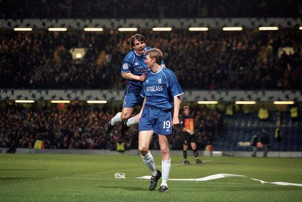 Gianfranco Zola ed Andre Tore Flo in maglia blues
