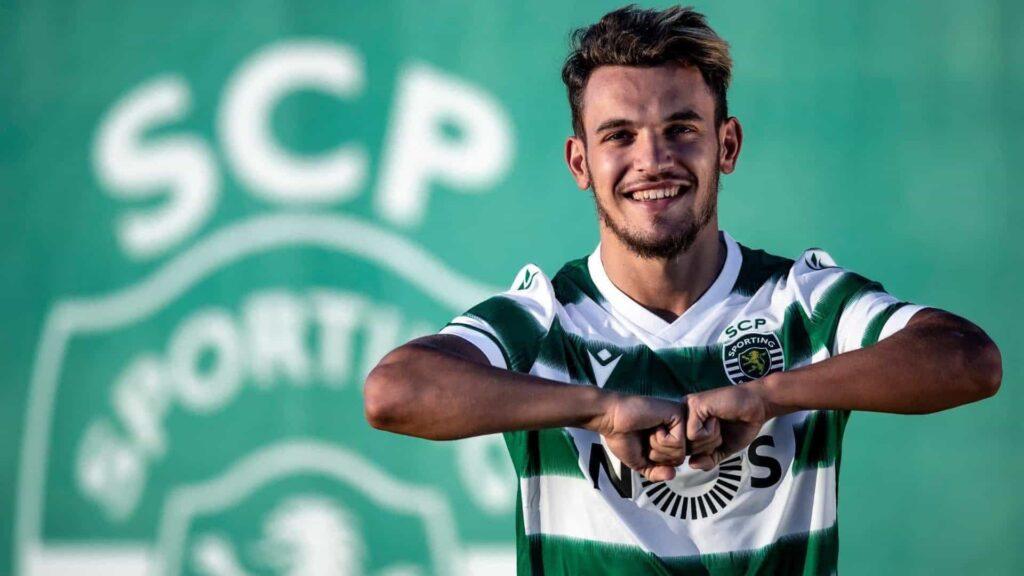 Pote con la maglia dello Sporting Lisbona